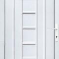 Bejárati ajtó tele panellal