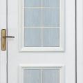 Bejárati ajtók bontása