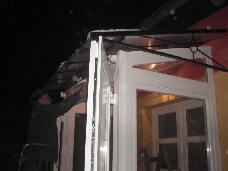 Terasz beépítés kétszárnyú bejárati ajtóval