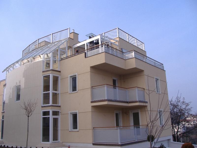 télikert építés a tetőn